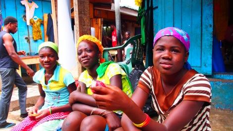 girls in market